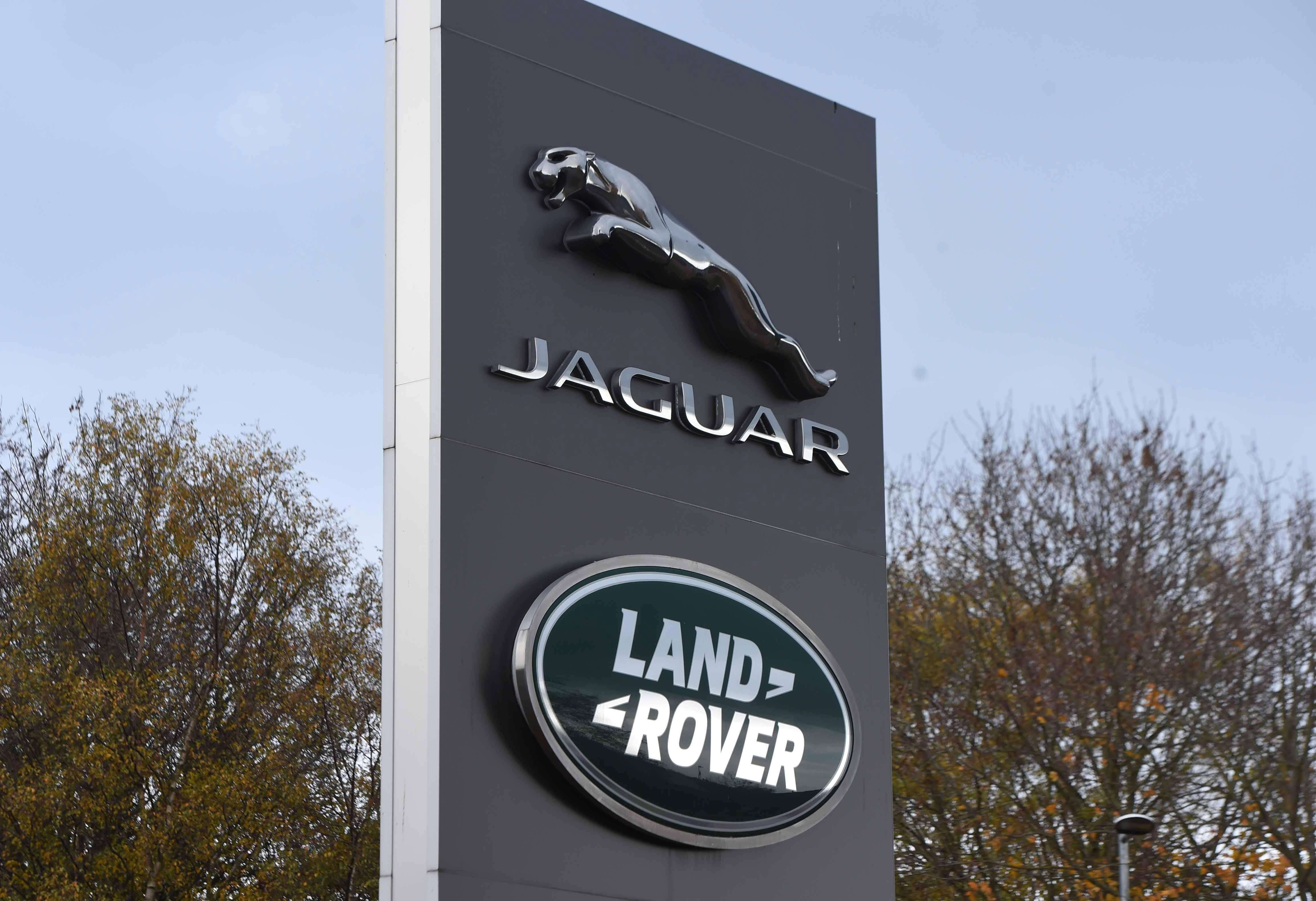 Jaguar Land Rover to Cut Jobs after China, Diesel Demand Fall