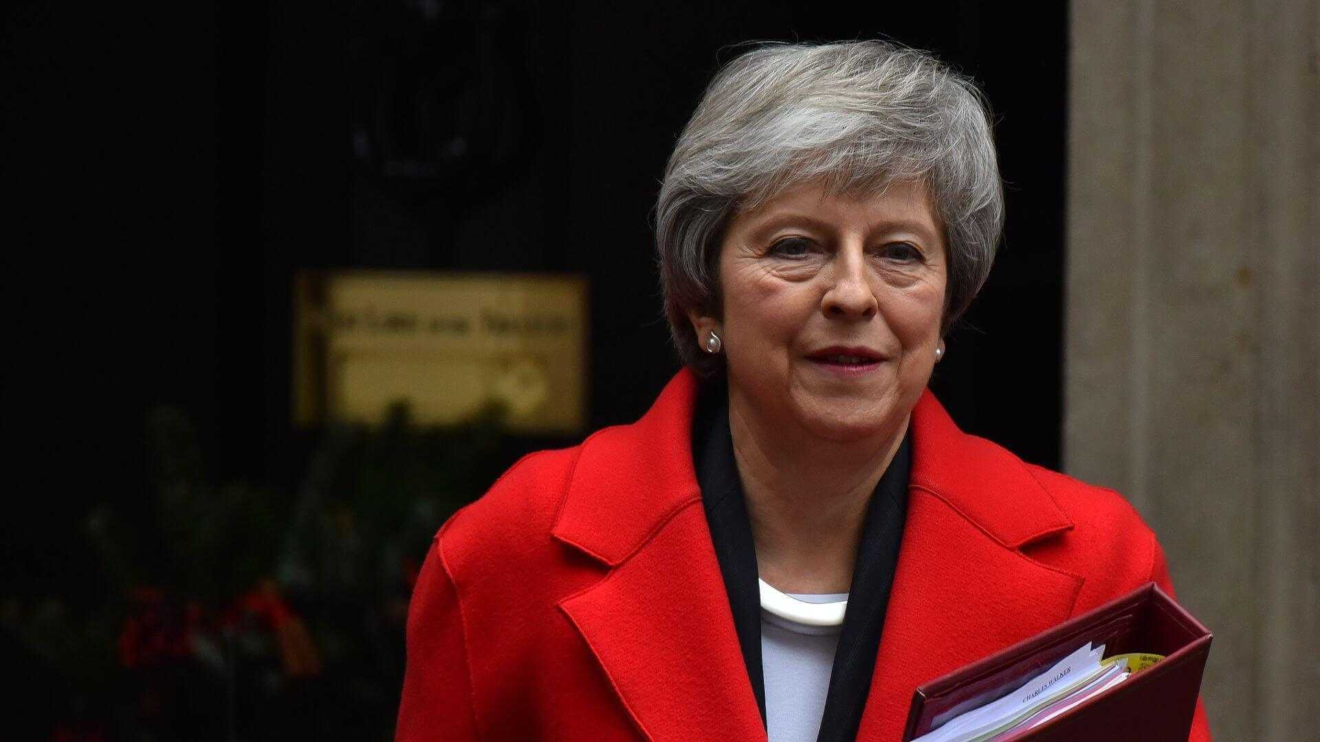 UK PM Warns Dire Consequences if Brexit Halts