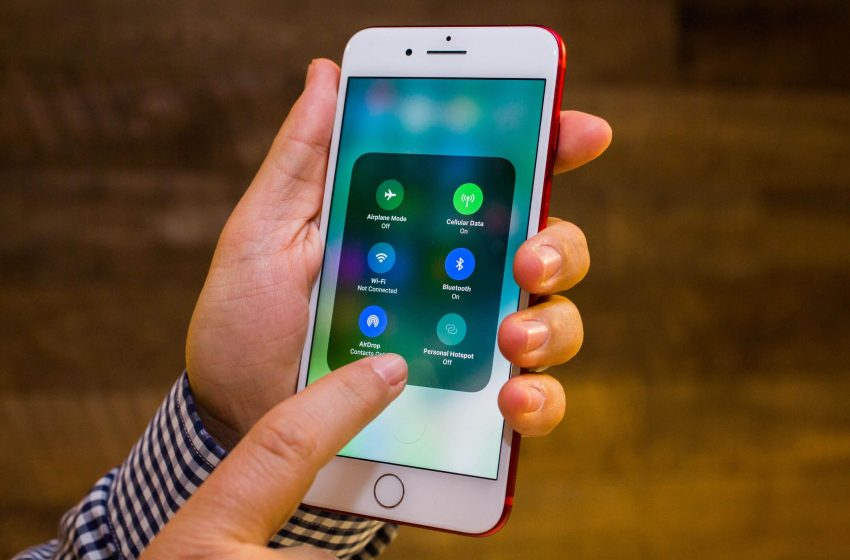 Apple Tech Being Used by Software Pirates to Add Hacked Apps On iPhones