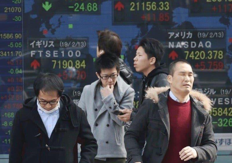 As Markets Wait for News on Trade Talks, Asian Stocks Slip