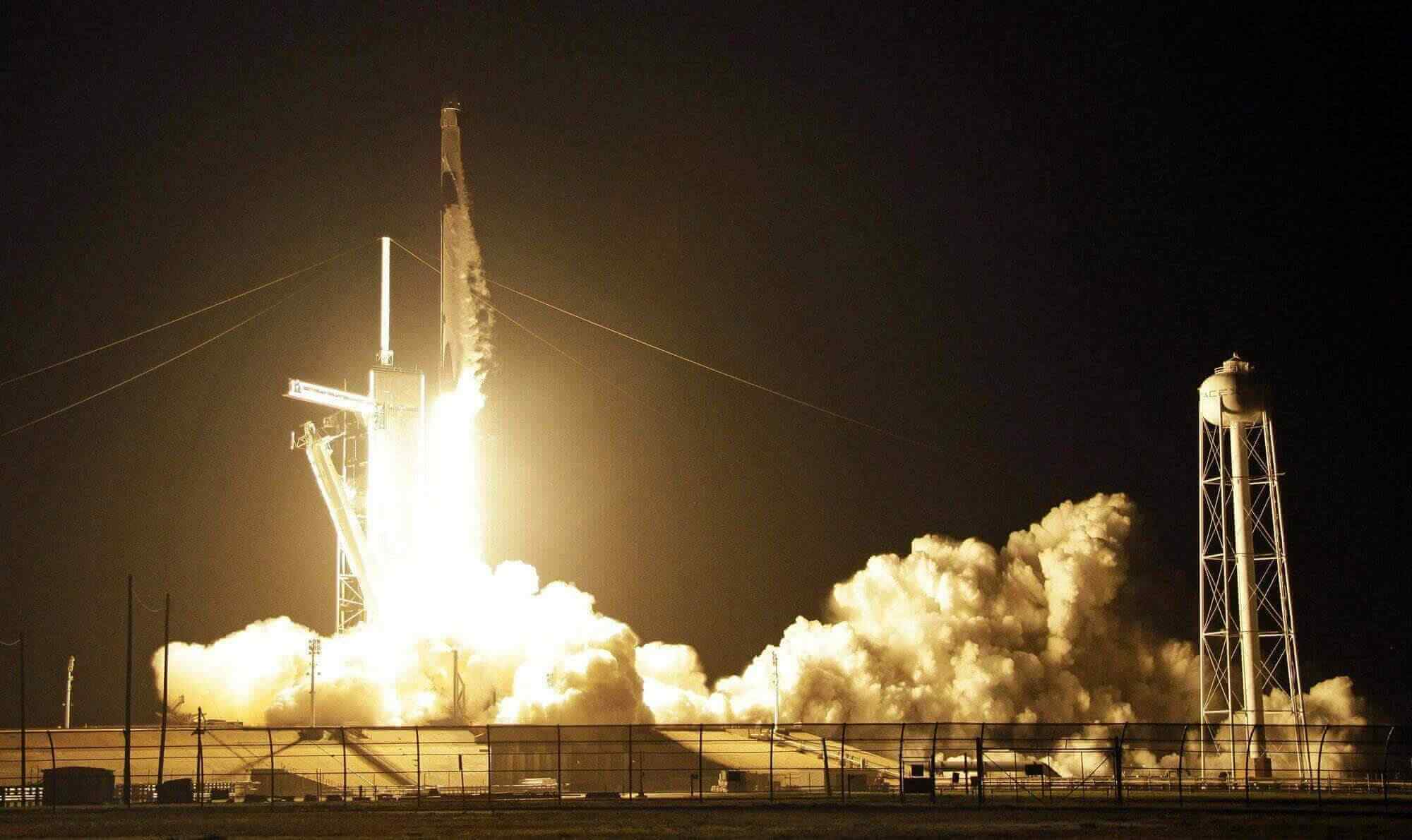 Capsule Demo By SpaceX Lifts Off