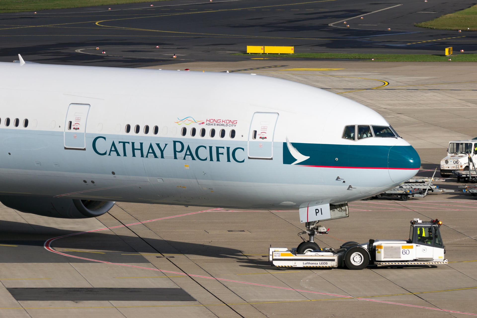 Cathay Pacific to Acquire Stake in Hong Kong Airline