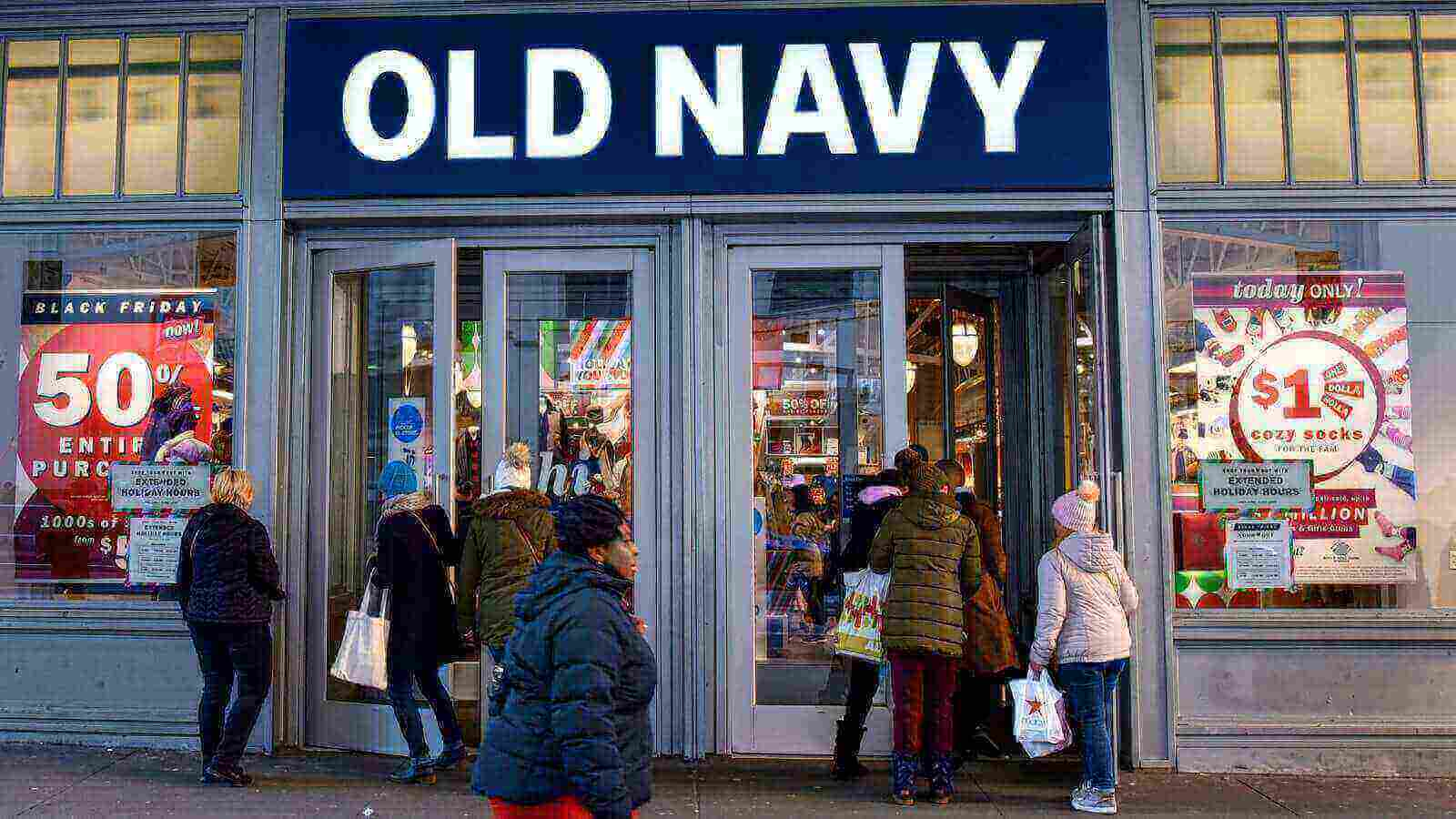 Gap To Separate From Old Navy And Shut Down Stores